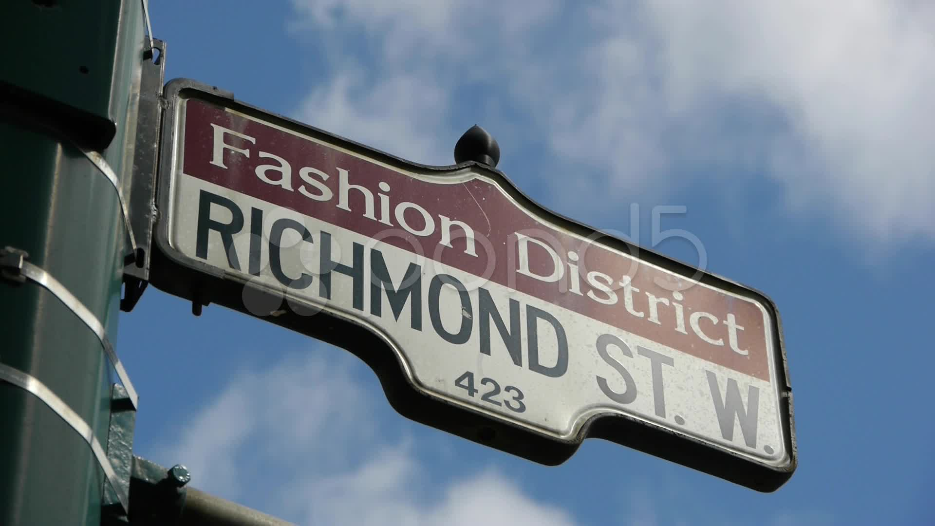 011014075-fashion-district-street-sign-c